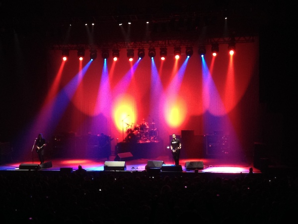 Alter Bridge live with Mark on lead vocal for this tune