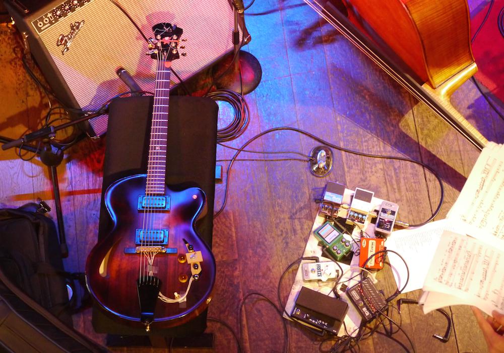 Gilad guitare et pédalier