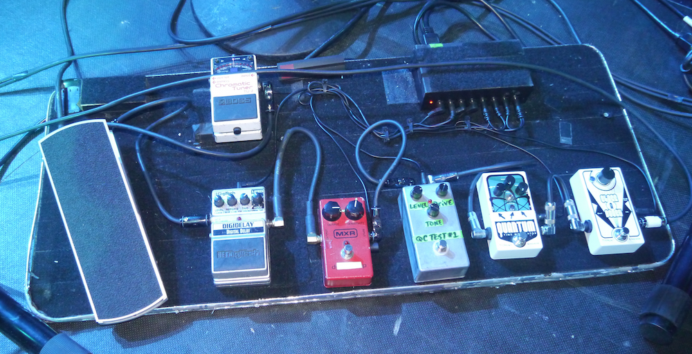 Mike Keneally Pedalboard - Paris Grand Rex 2015 - The Guitar Channel