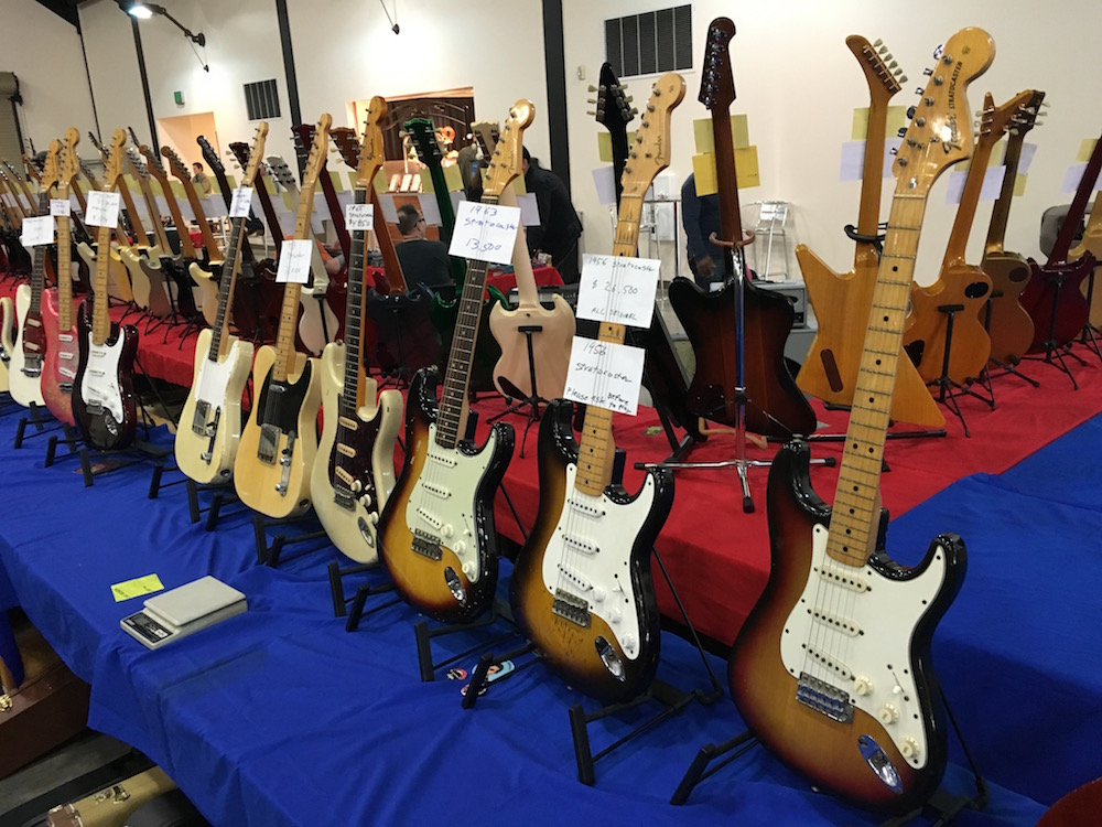 4 Amigos Guitar Show - Strats