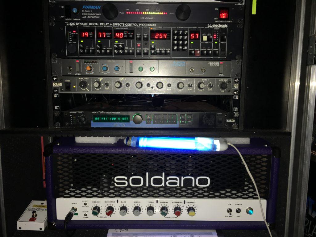 Oscar Rosende guitar rig - Dire Straits tribute band guitar player Oscar Rosende