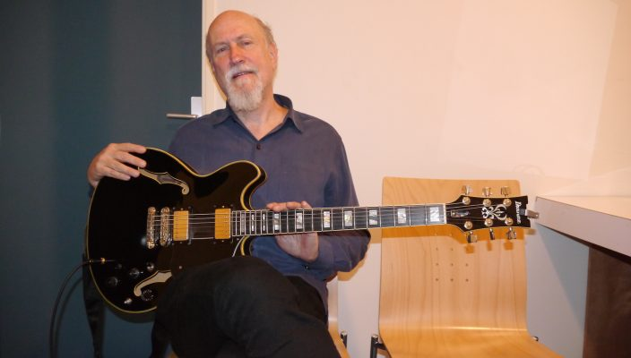 John Scofield interview, guitar in hand at the Issoudun Guitar Festival