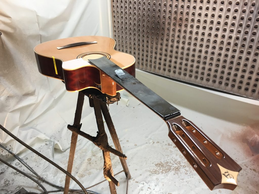 Visit of the Alhambra Guitars manufacture in Muro de Alcoy, Spain - The Guitar Channel