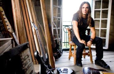 Kiko Loureiro interview (@KikoLoureiro): a melodic brazilian shredder