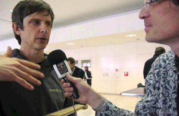 Ergonomic guitar - Ola Strandberg interview - 2013 Musikmesse