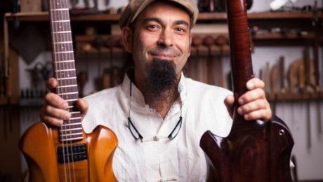 The journey of luthier Adriano Sergio (Ergon Guitars) to the Holy Grail Guitar Show