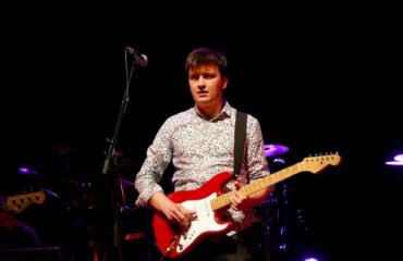 Dire Straits tribute band guitar player Oscar Rosende