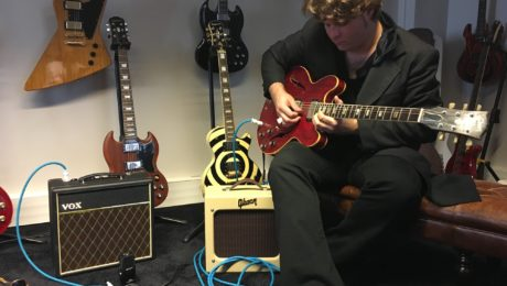JD Simo guitar in hand interview - Rise & Shine