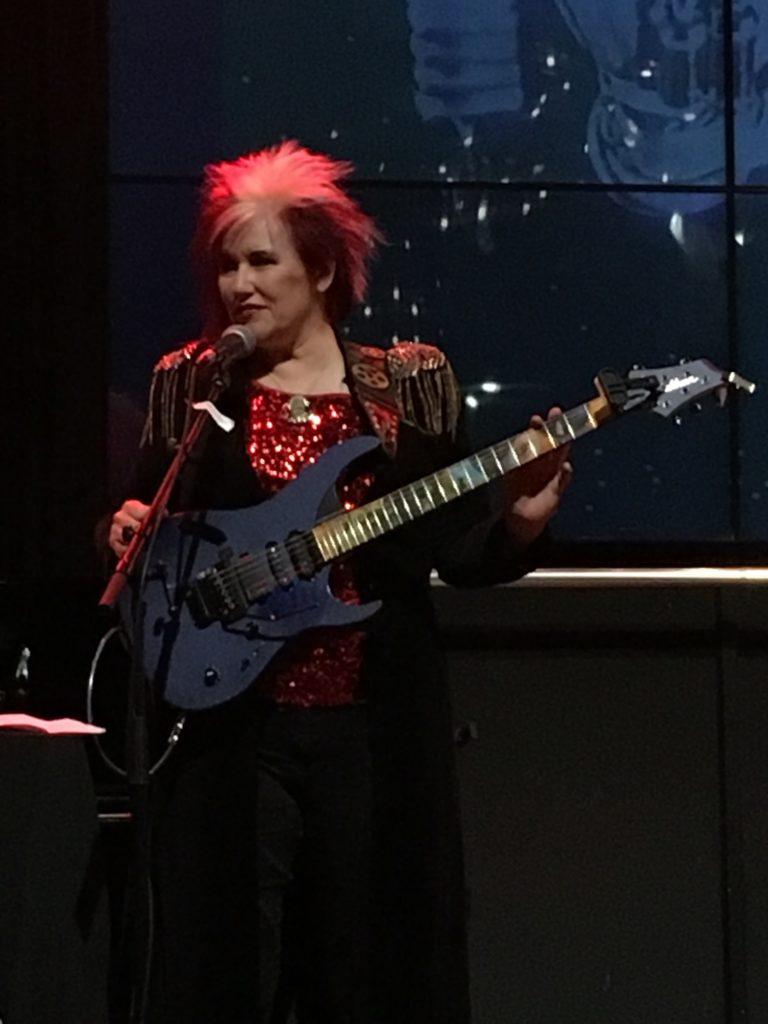 Jennifer Batten clinic (Washburn / Woodbrass) - Paris 30/10/17 - The Guitar Channel