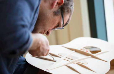 Andy Powers, master builder @TaylorGuitars: V-Class bracing