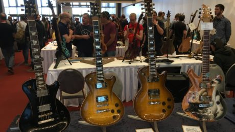 How to broadcast live from your smartphone for guitar builders