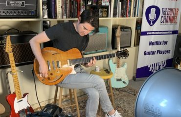 Mike Moreno guitar in hand interview in Paris in our showroom - Part 1/2