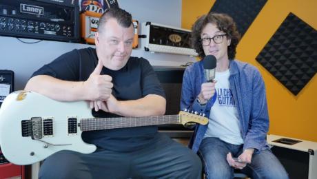 Dave Friedman interview, tube amp guru presenting his guitars in Paris
