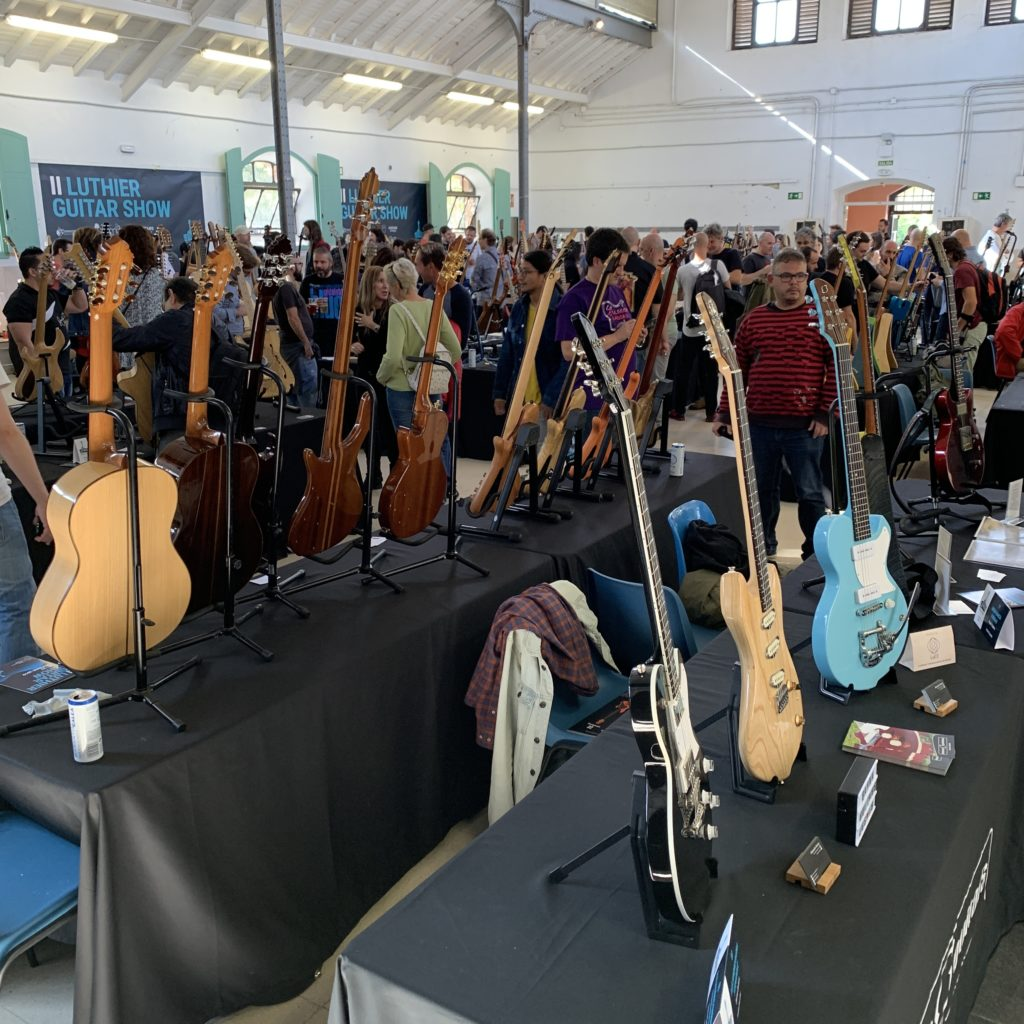Madrid Luthier Guitar Show - Video report for day 2, super Sunday full of visitors !