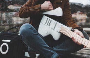 Reveho collapsible travel guitar, CEO Alexandre Albisser presents the Slite model