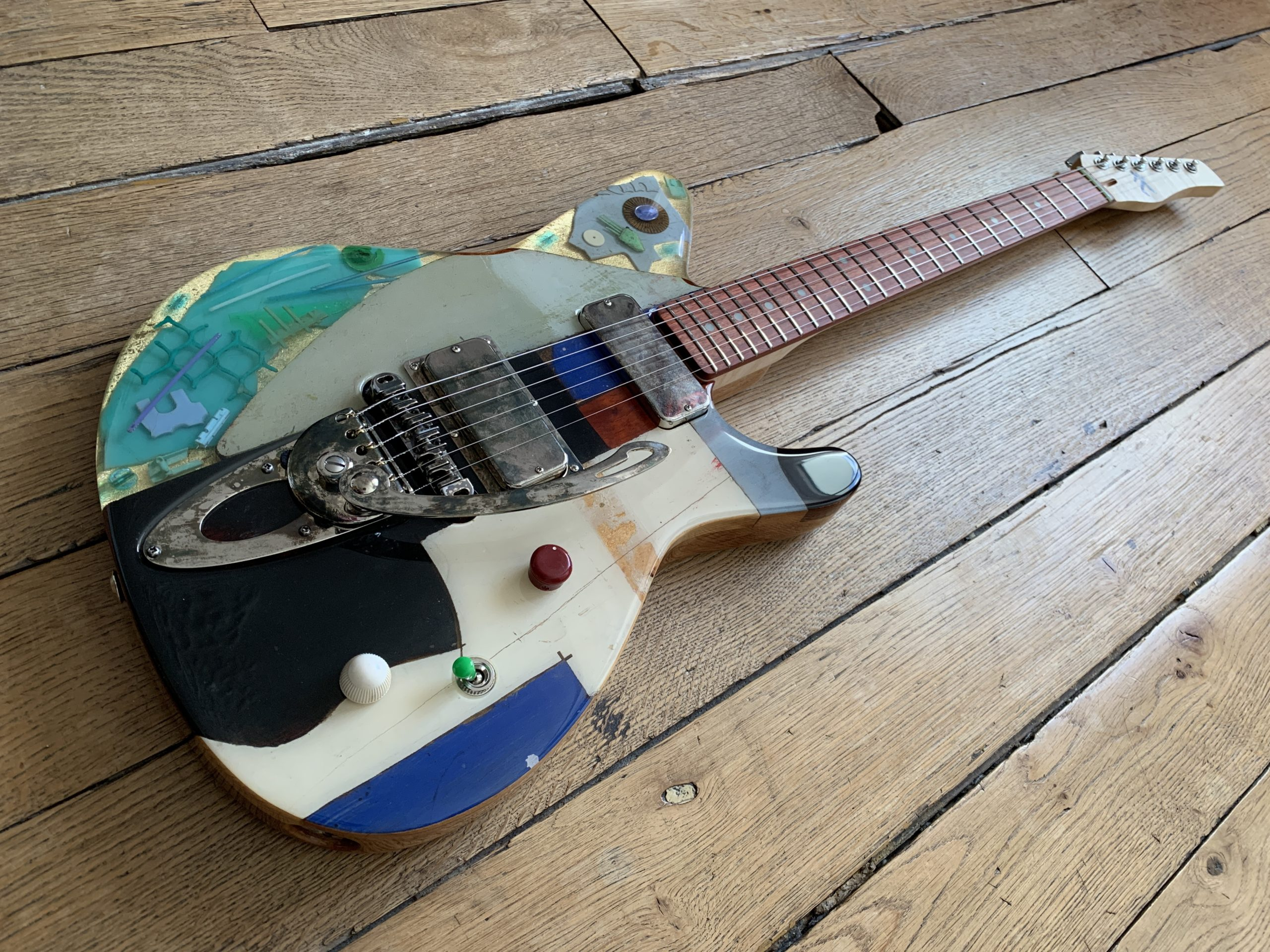 Octopus G2002 Spalt review, awesome sounding guitar and a piece of art