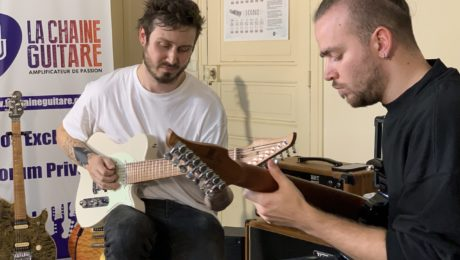 Pierre Danel and Quentin Godet, guitar in hand with the musicians of Kadinja