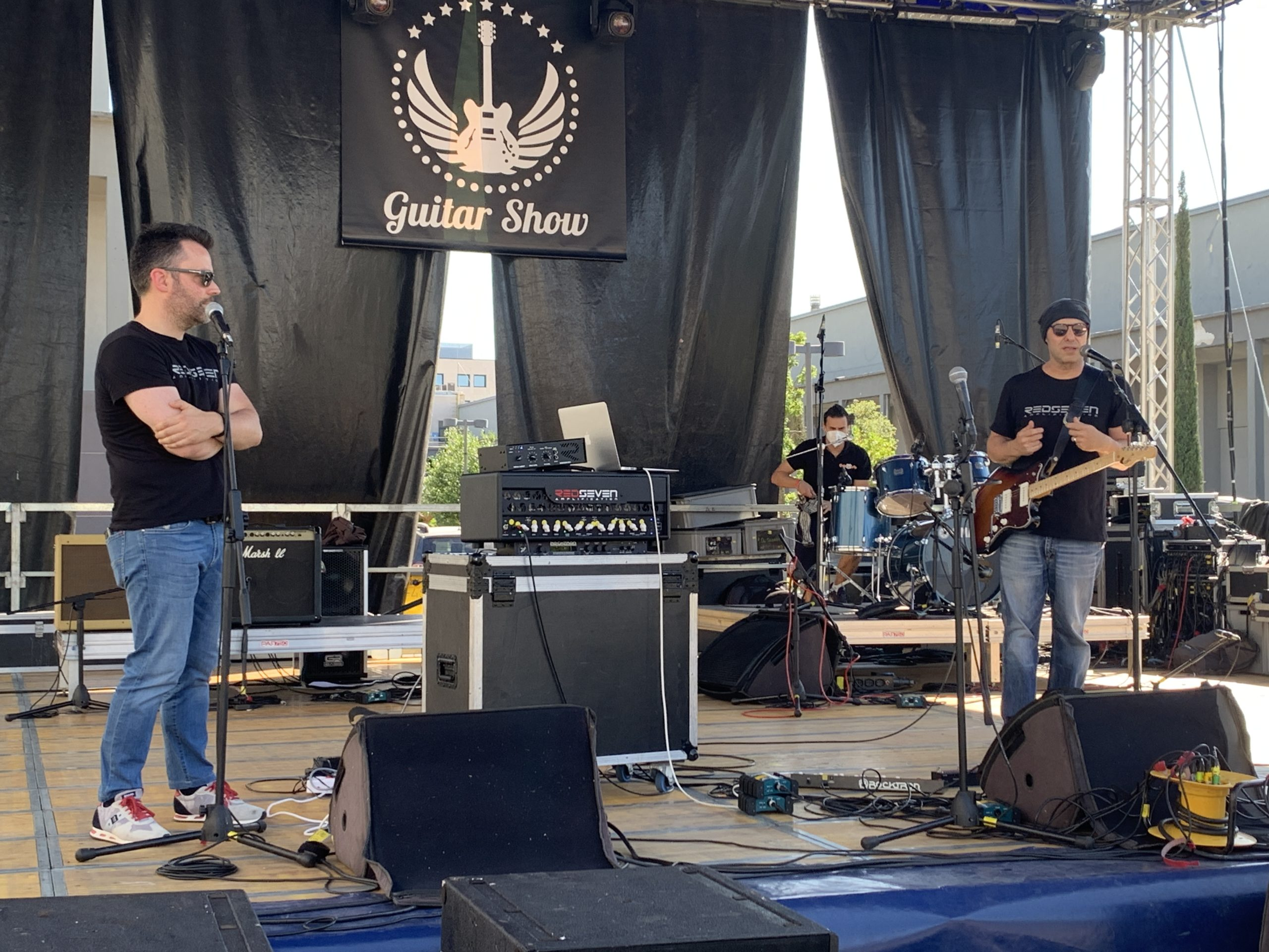 Guitar Show Italy in Padova, day 1 on a gorgeous sunny Saturday